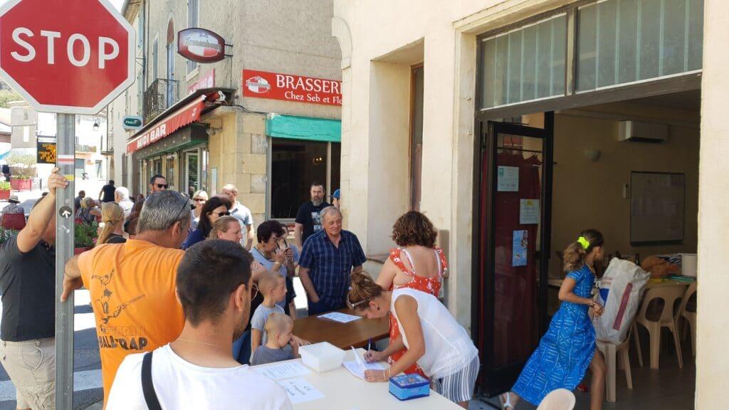 L'APE de Montfrin solidaire des victimes de l'incendie avec une paella