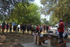 Participants et organisateurs à la mise à l'eau ©AP